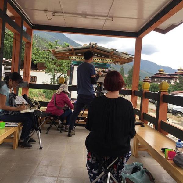 Painting Tashichho Dzong