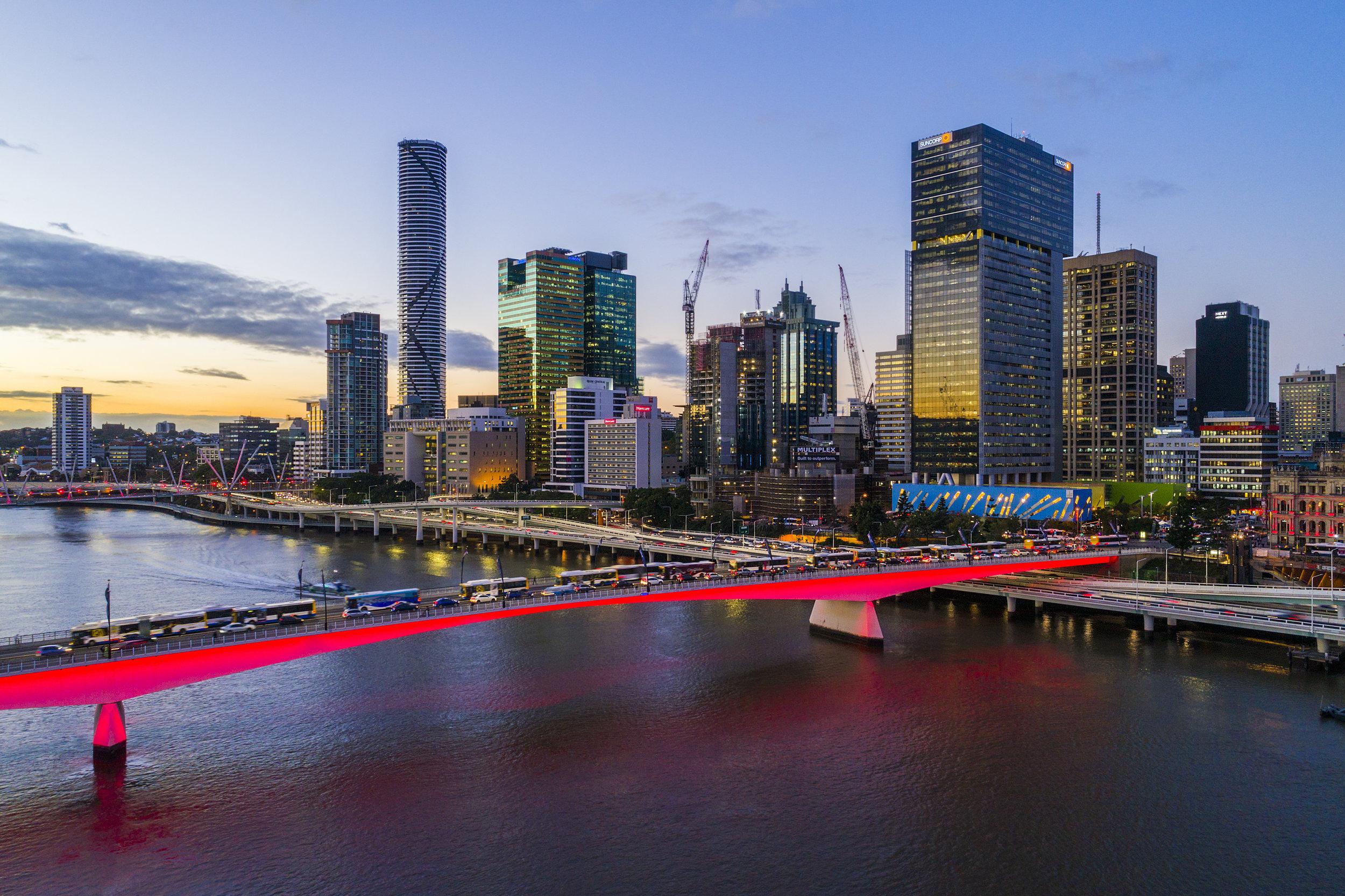 Brisbane City Dusk.jpg