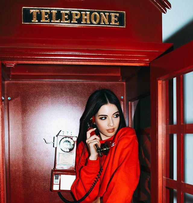 London calling in LA 🇬🇧🇺🇸 @balletzaida  #sophieduncan #balletzaida #phonebooth
