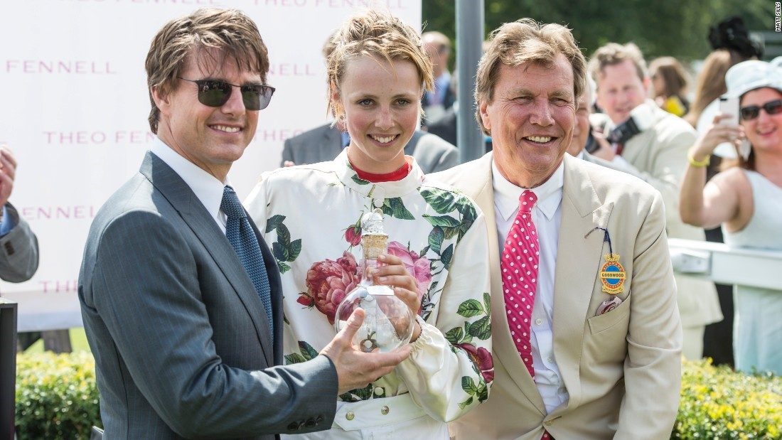 Tom Cruise awards supermodel Edie Campbell the trophy in 2014