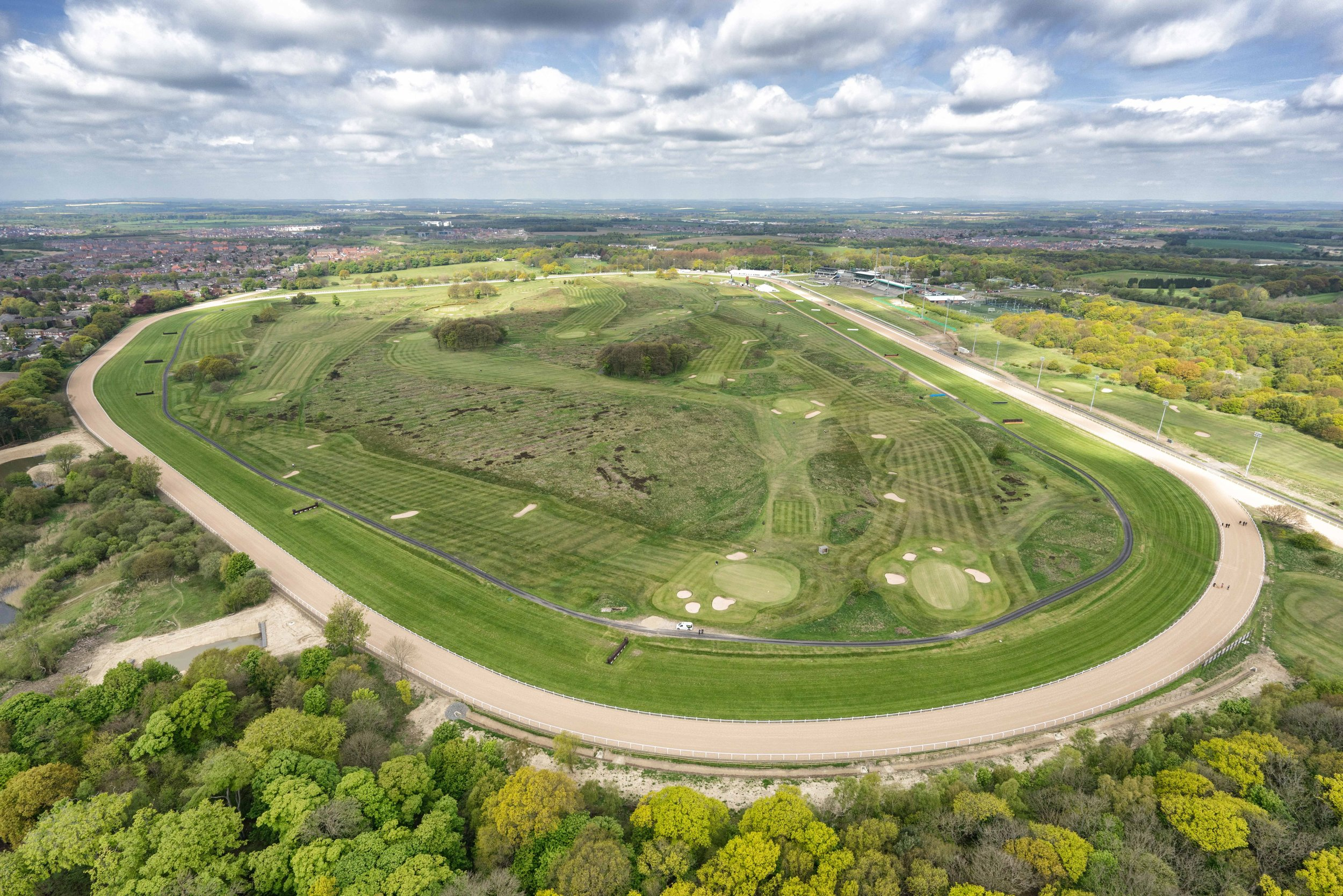 No. 21_Newcastle Racecourse_Aerial_First Raceday_17 May 2016.jpg