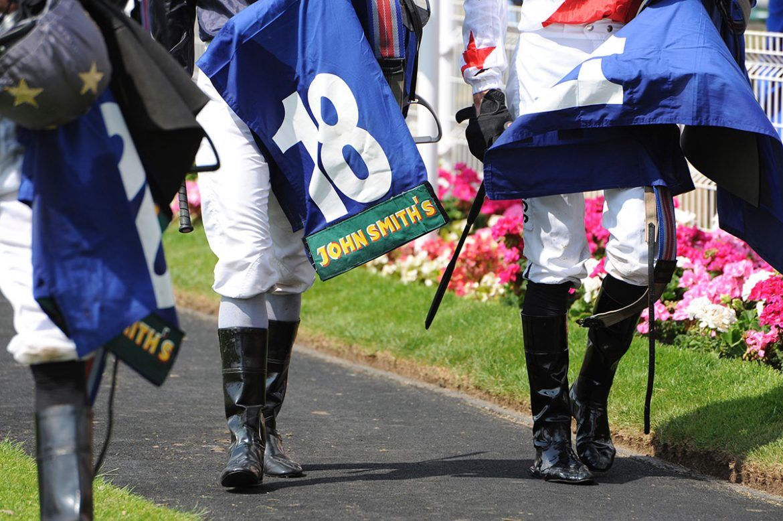 york-races-john-smiths-cup-jockeys-1170x778.jpg