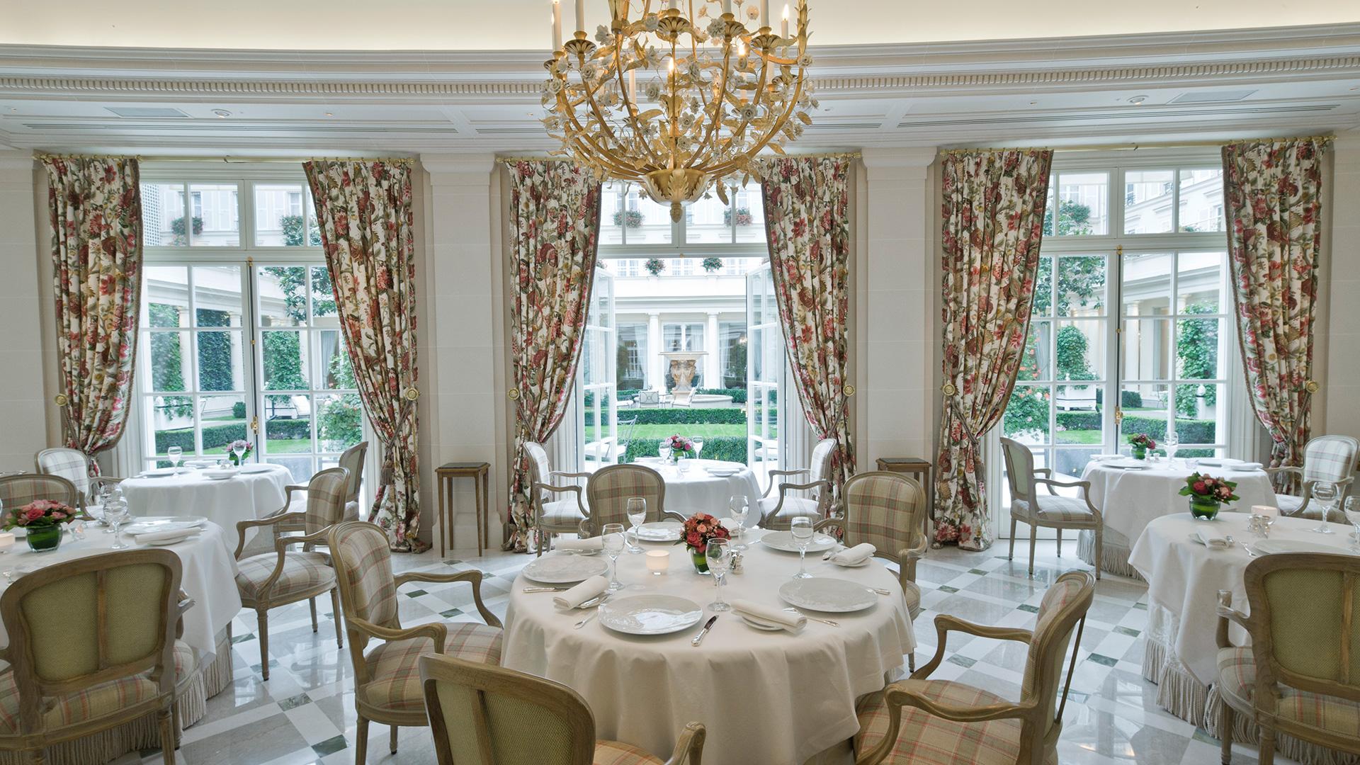 le-bristol-paris-epicure-restaurant.jpg