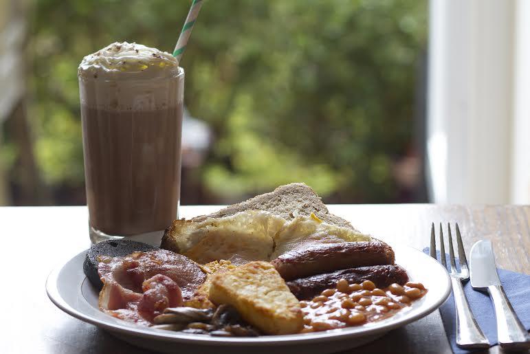Enjoy a Full Irish Breakfast and Baileys Iced Choocolate: Just £10!