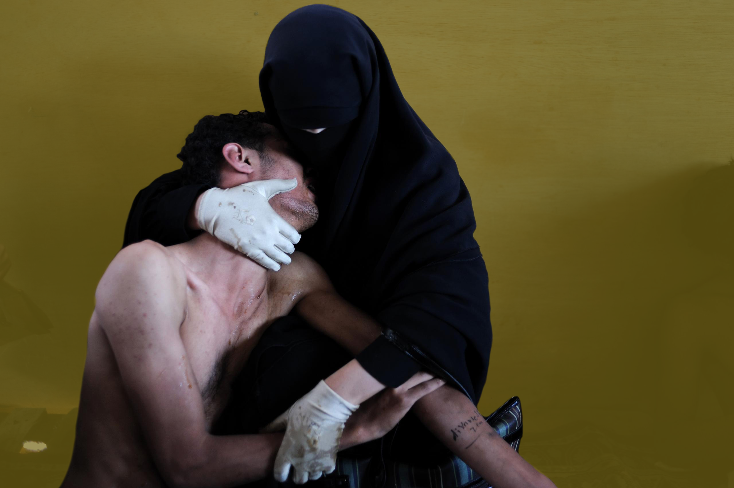 Piedad árabe de Samuel Aranda, Premio World Press Photo of the Year 2012