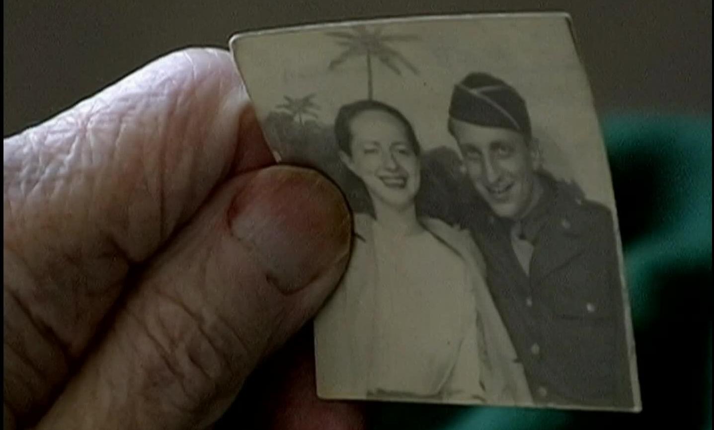Fotograma del documental  First Cousin Once Removed  de  Alan Berliner .