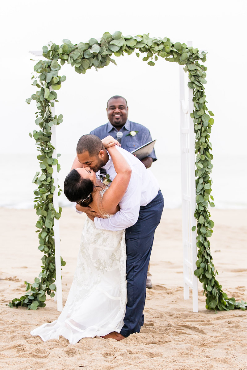 bethany-beach-delaware-wedding-ceremony-third-clover-paper-dear-sweetheart-events-amanda-hedgepeth-photography.jpg