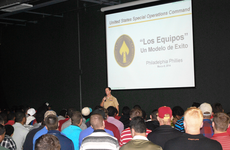 Tom at Philadelphia Phillies spring training camp (English and Spanish talks)