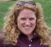 Melissa Bashor    Review of  When the de la Cruz Family Danced  by Donna Miscolta .