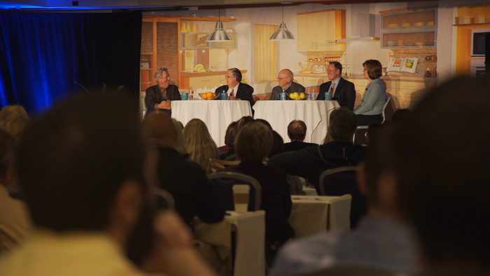 Art sitting with his mentors: John Maxwell, Ken Blanchard, Stephen M.R. Covey, and Cheryl Bachelder during 2015 Conference