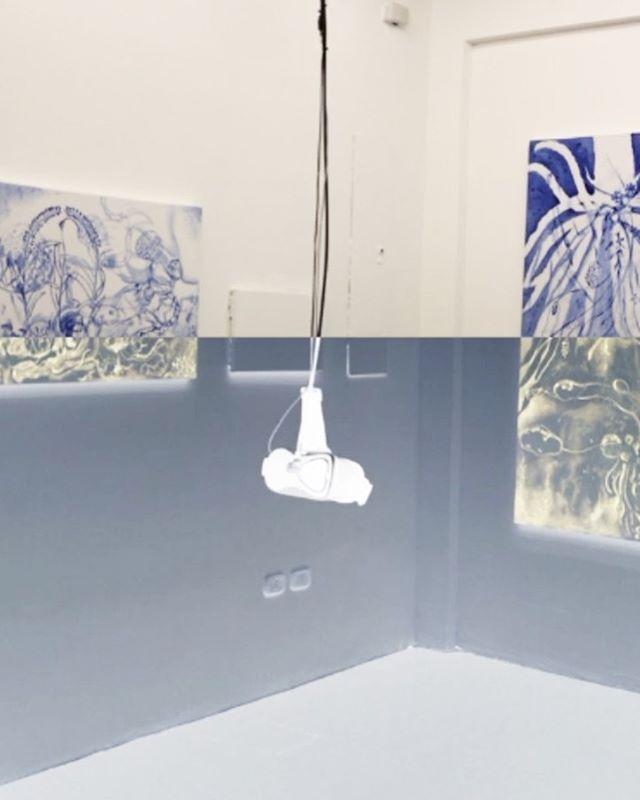 """Hoy a las 5pm! Los invitamos a la inauguración de """"Oro ultramarino"""" de Luis Merchan, el último proyecto de este año en nuestra sala En blanco."""