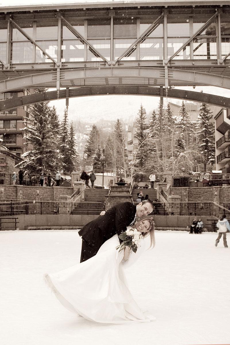Arrabelle-Vail-wedding-photographer-axelphoto.jpg