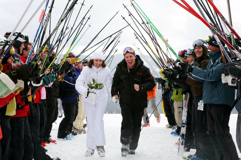 vail-mountain-winter-wedding-photogher-axelphoto.jpg