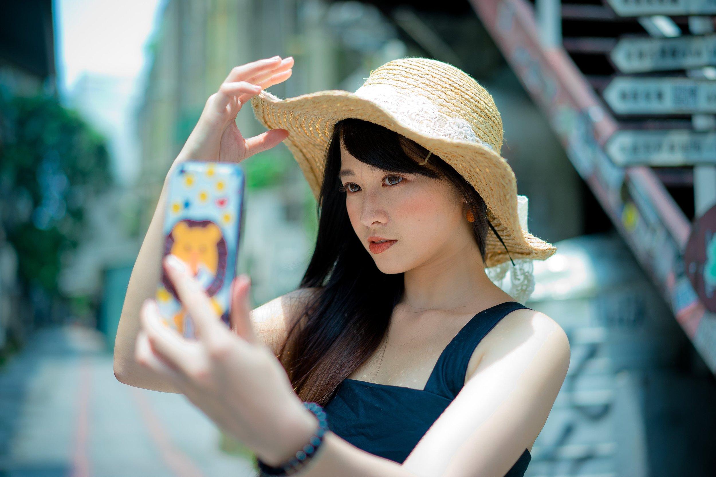 beautiful-beauty-casual-1101597.jpg