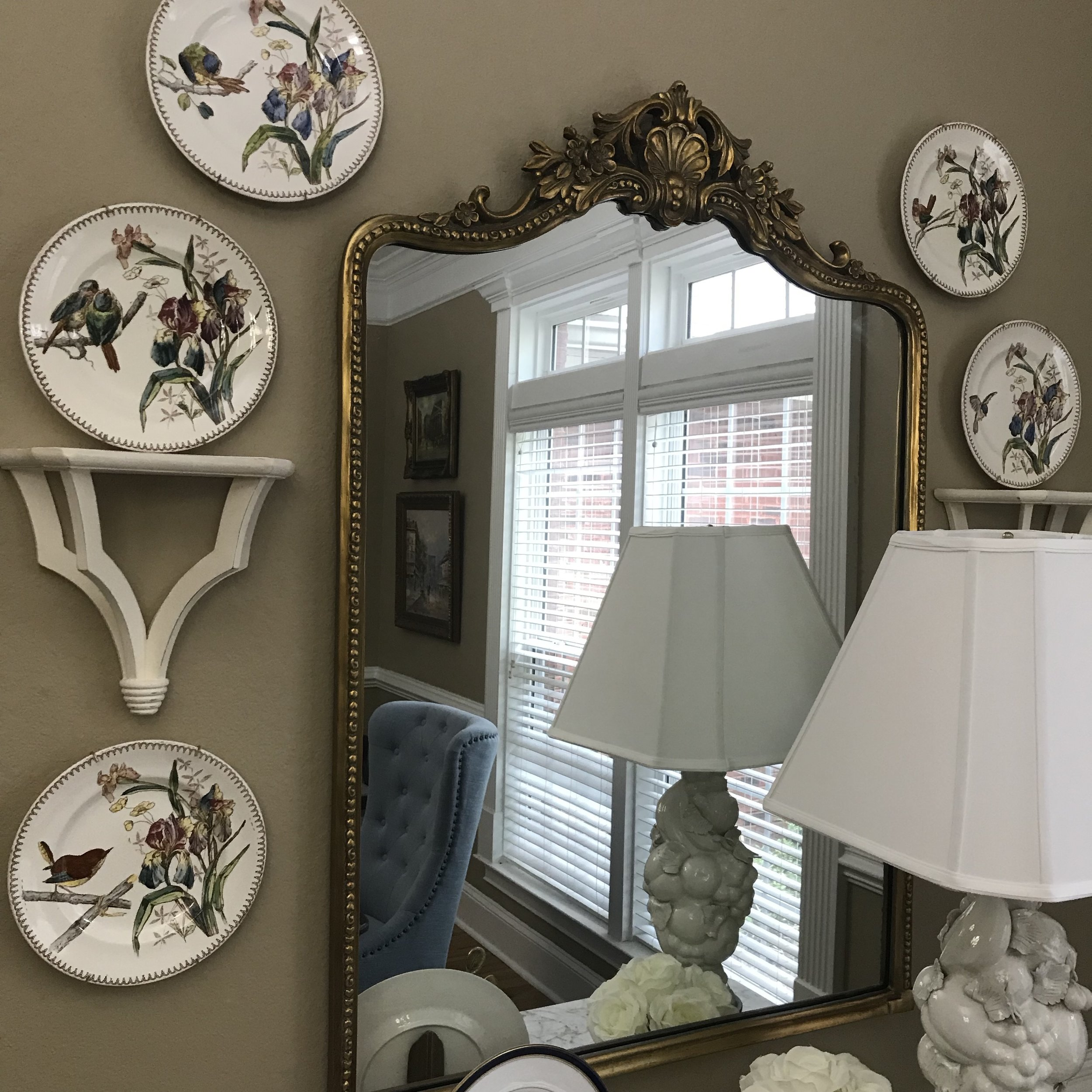Jennifer Taylor Design - Tallahassee, Florida - Traditional Dining Room, Plates Hung on the Wall