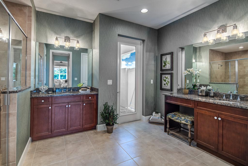 Oppulent Master Bathroom New Home Community Sarasota