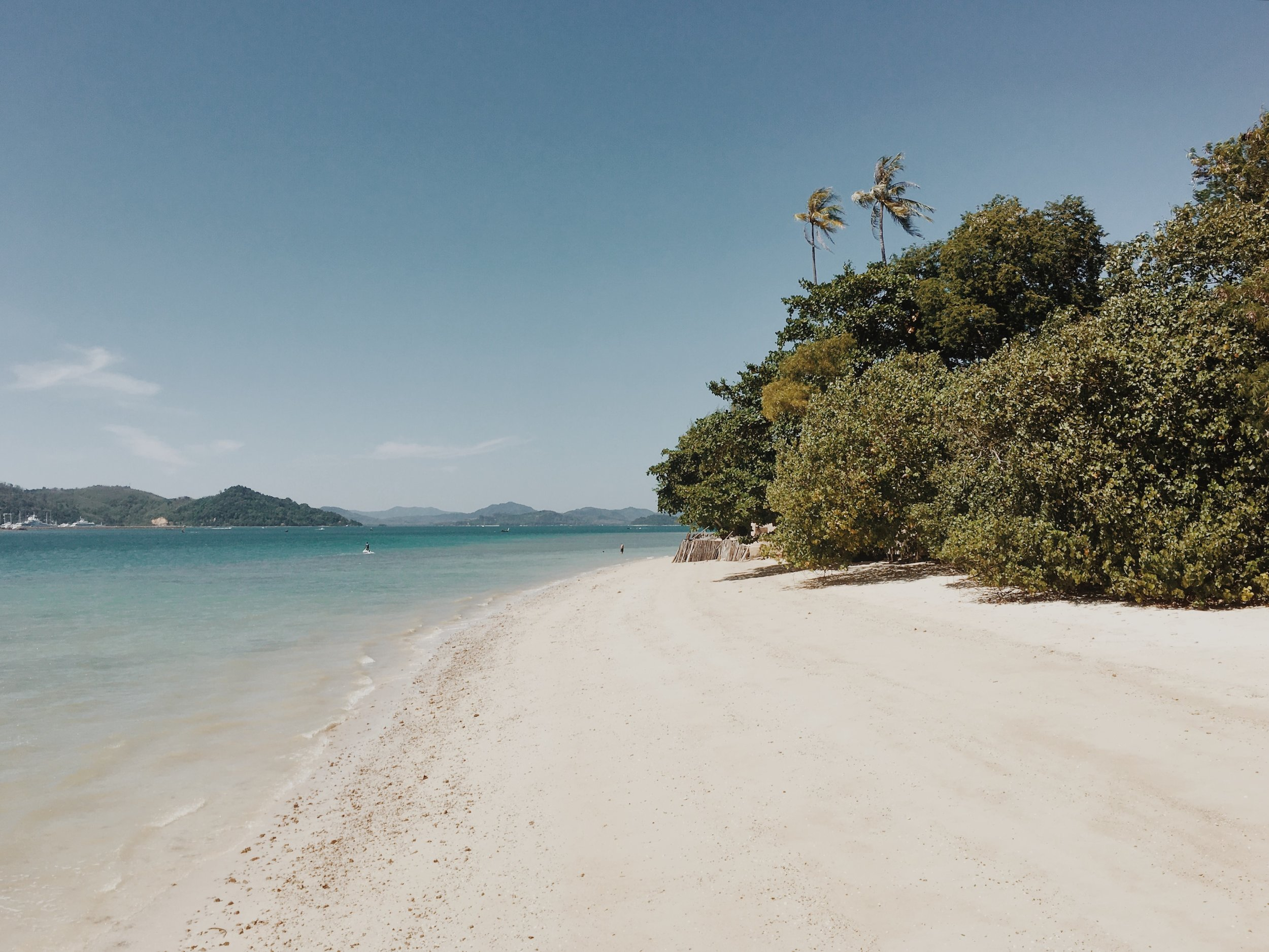 Naka_Island_Phuket.jpg