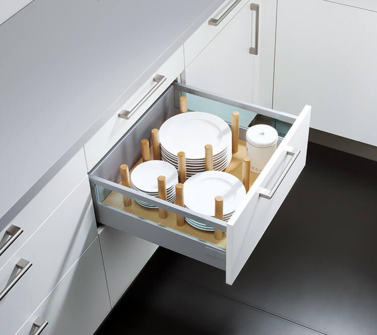 kitchen-crockery-drawer-inserts-german-kitchens.jpg