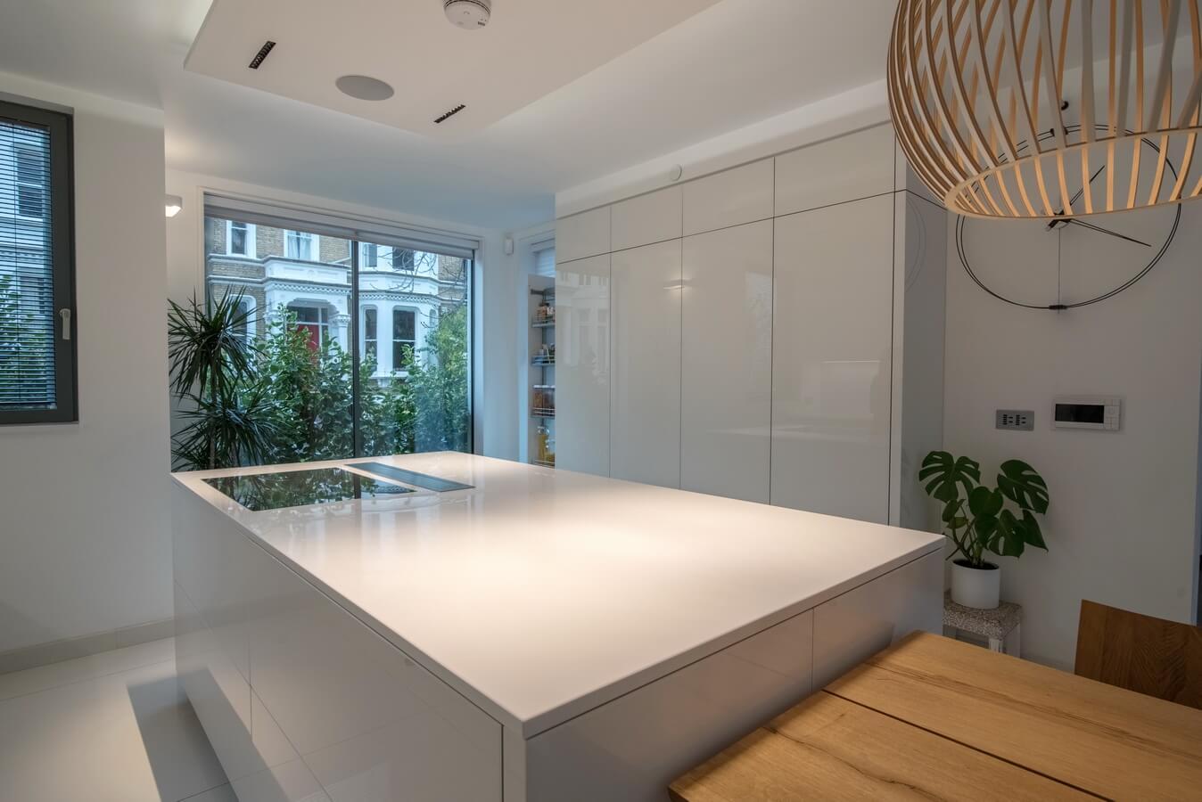 white-handleless-warendorf-kitchen-London.jpg