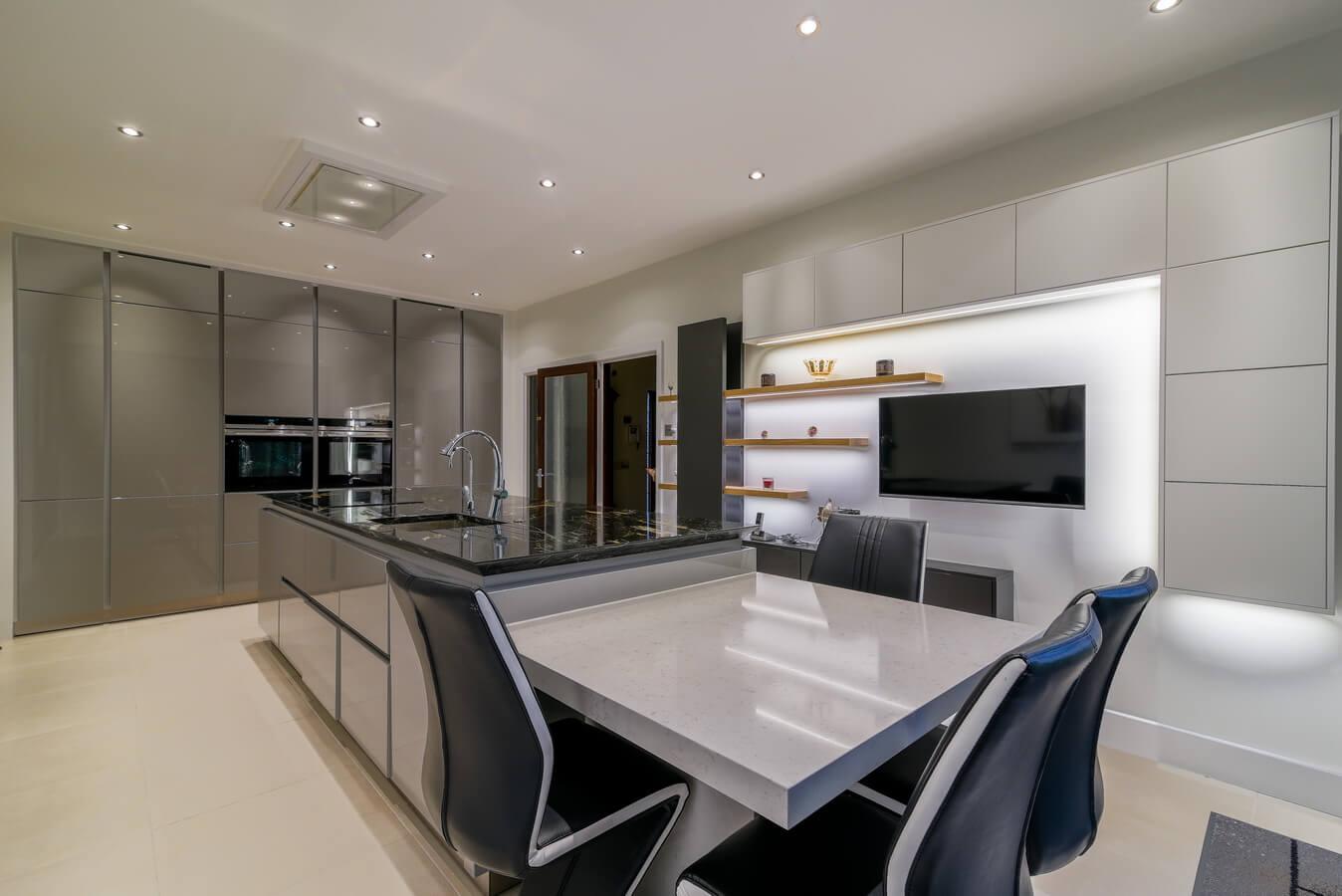 German-Kitchen-Glossy-Handleless-Finchley-Road-London.jpg