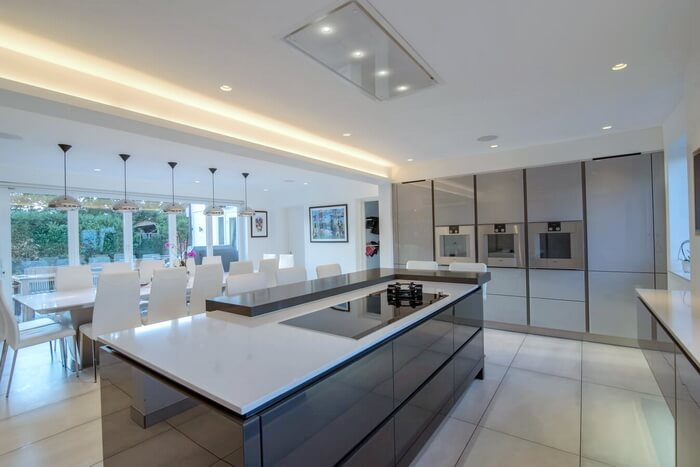 high-gloss-handleless-kitchens-London2_2.jpg