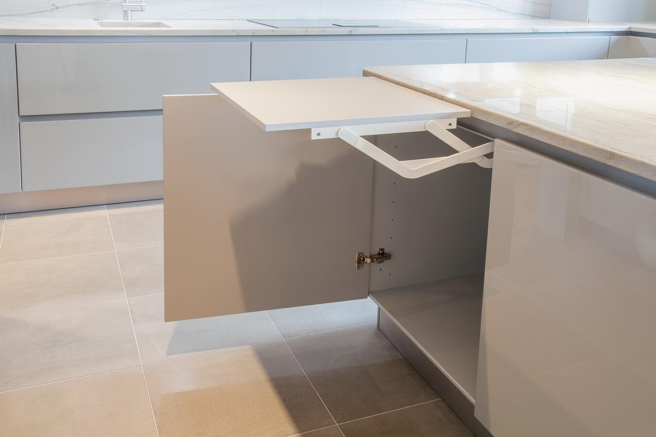 German Kitchen Lift Out Shelf.jpg