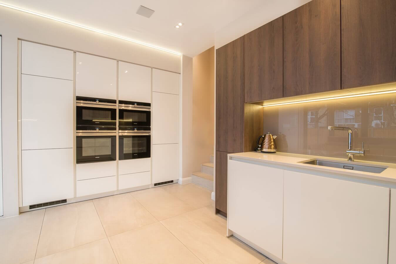 stamford-hill-german-kitchn-schuller-sm.jpg