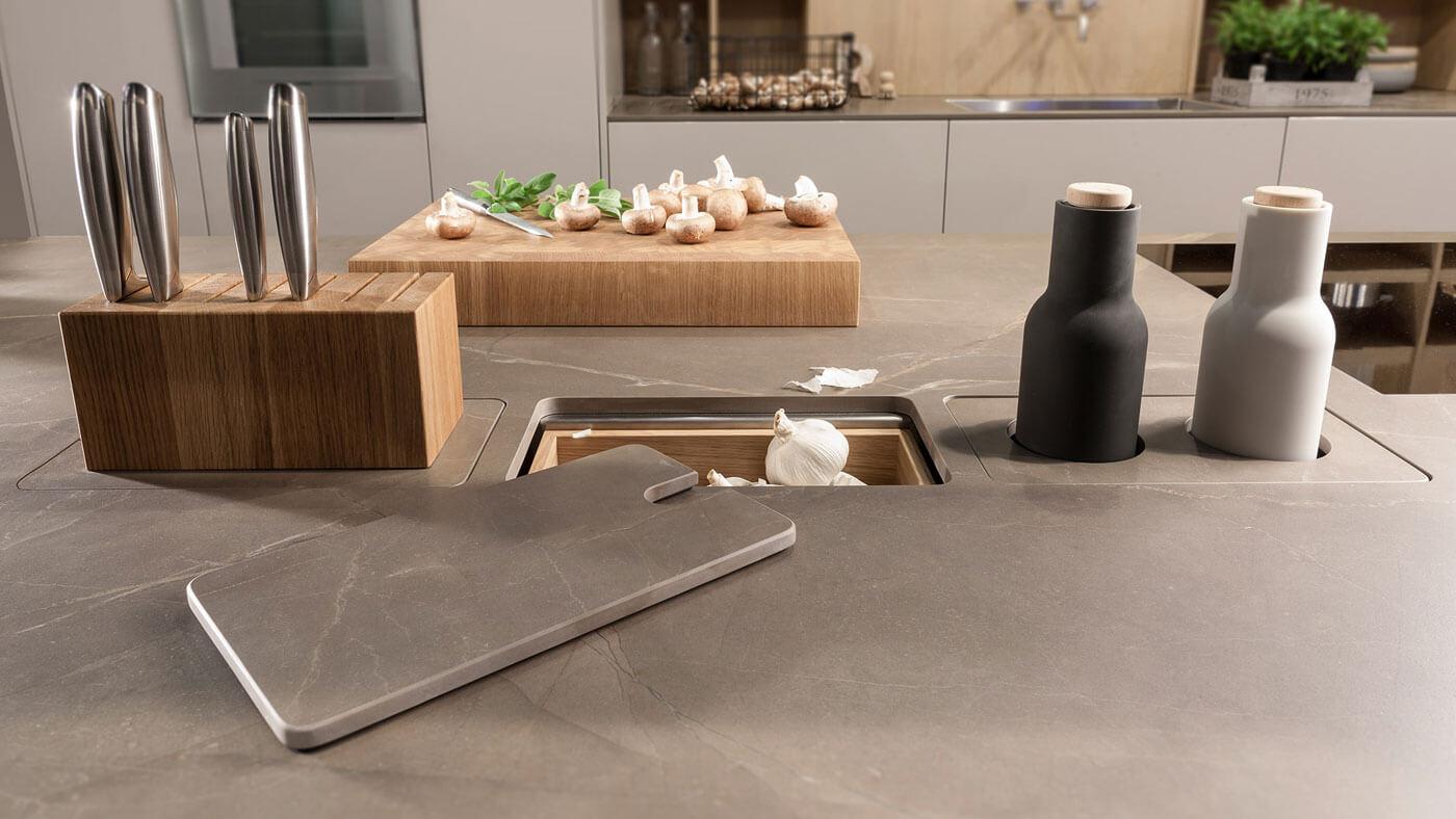close-up-warendorf-chopping-kitchen.jpg