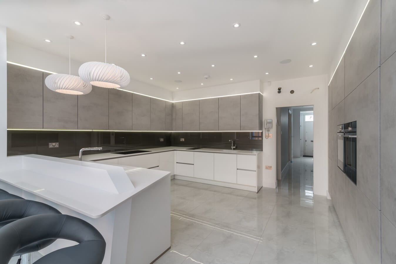 White-handleless-kitchen-east-london.jpg