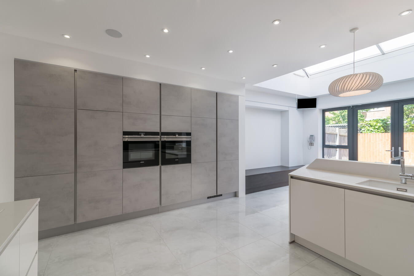 handleless-kosher-kitchen-units-nobilia.jpg