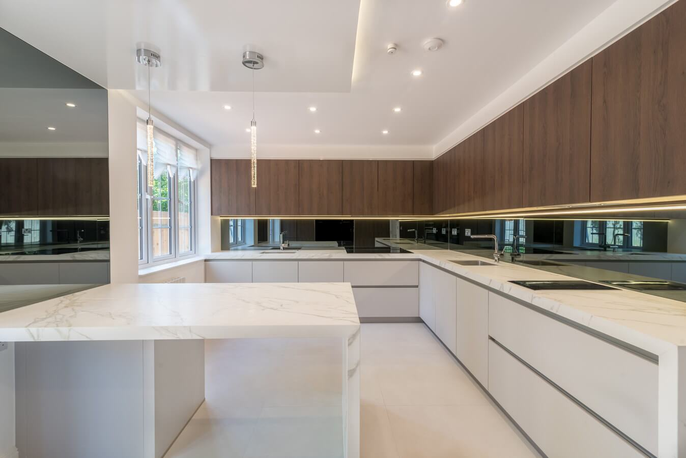 Long-view-modern-handleless-kosher-kitchen.jpg