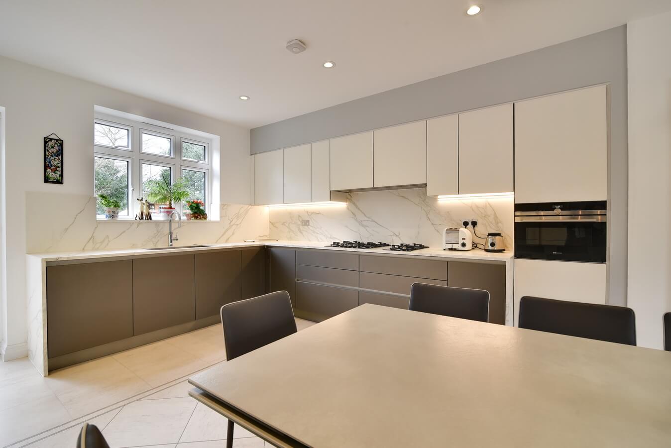 Kitchen-Splashbag-Neoligh-German-Modern.jpg