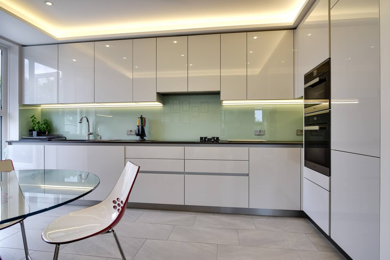 Handleless-German-Kitchen-Schuller-North-London.jpg