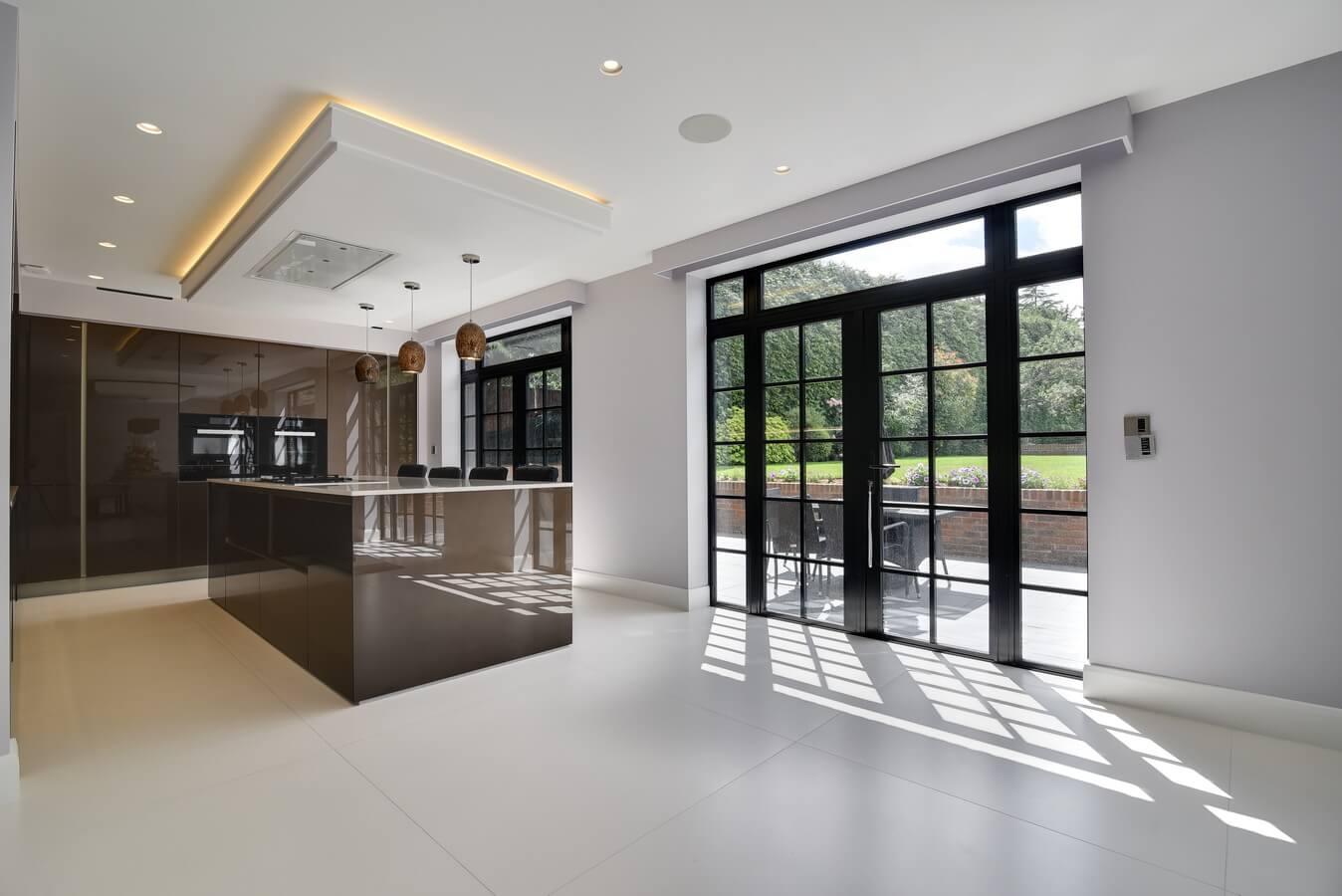 slick-glossy-modern-german-kitchen.jpg