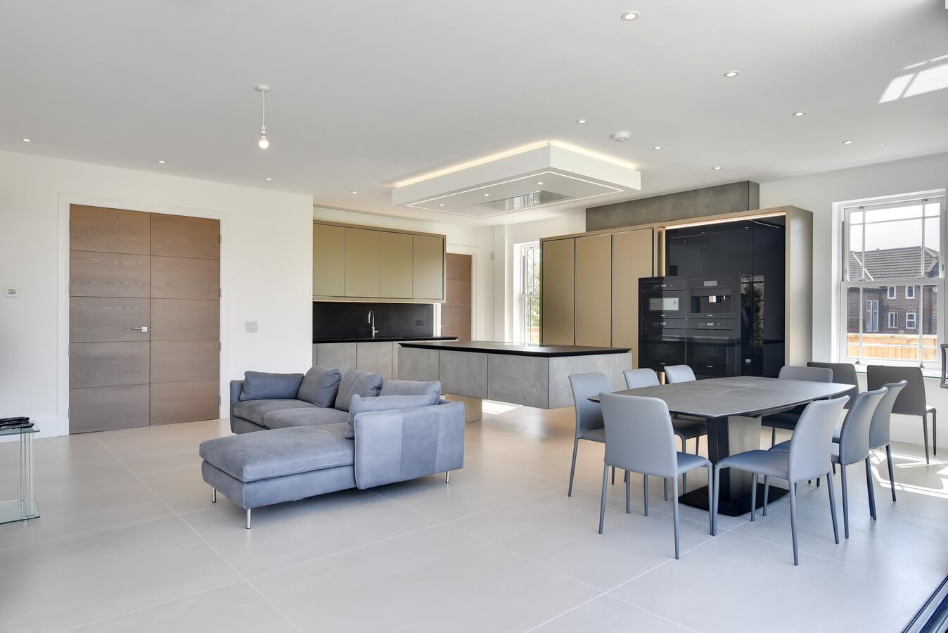 Finchely-London-German-Designed-Kitchen-Full-View.jpg