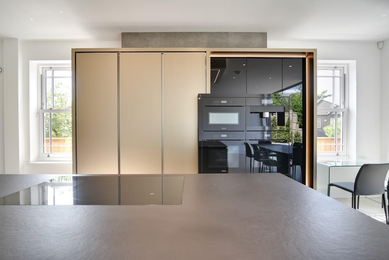 North-London-Warendorf-German-Kitchen-Wall-Units.jpg