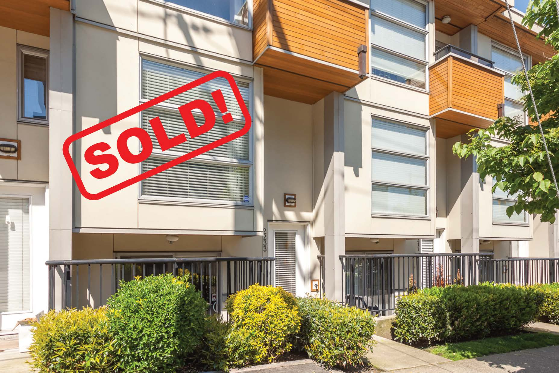 2233 Ash Street   sold for: $865,000  2 Bed | 2 Bath | 846 SF