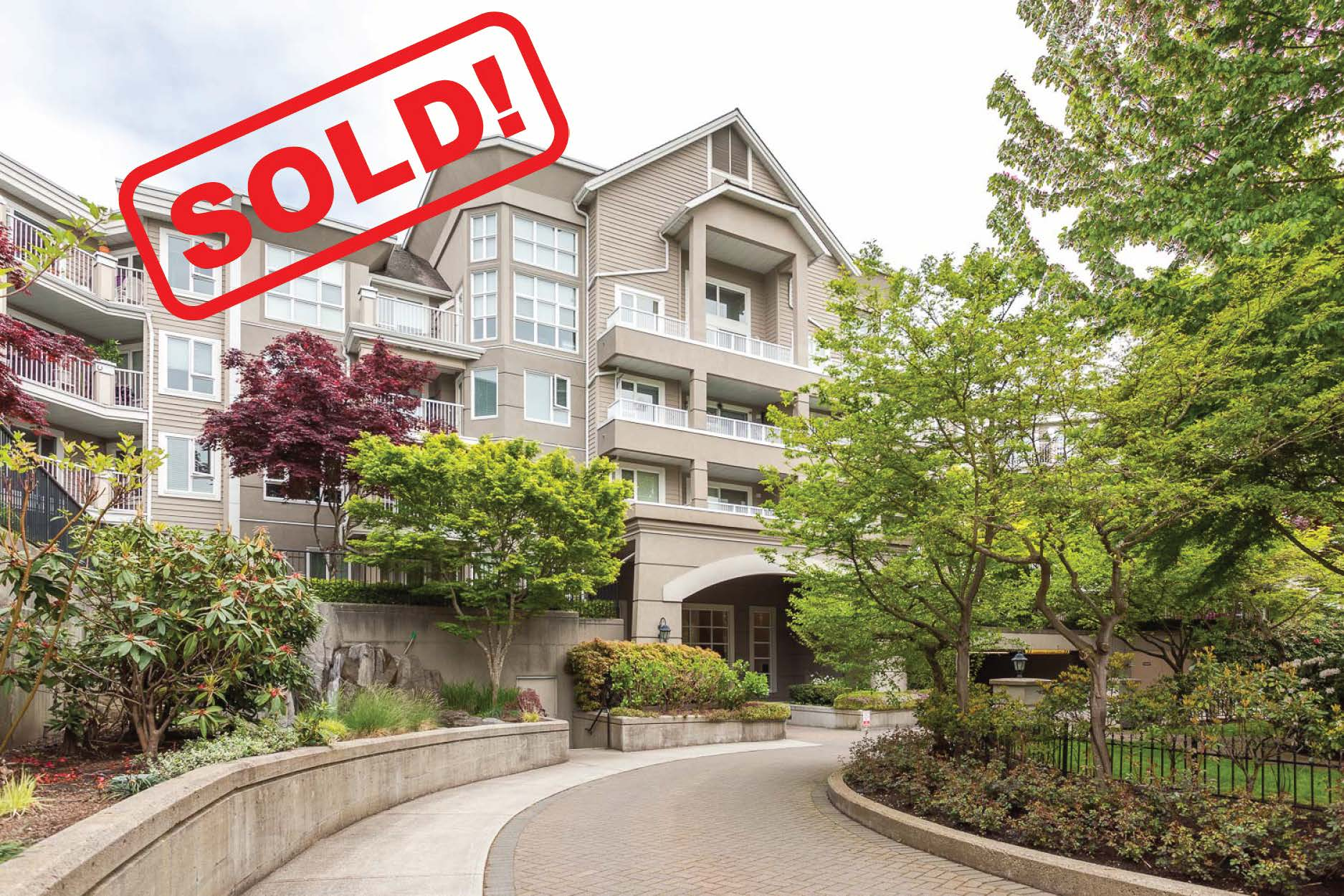 121-5888 Dover Crescent   SOLD FOR: $410,000  1 Bed | 1 Bath | 841 SF
