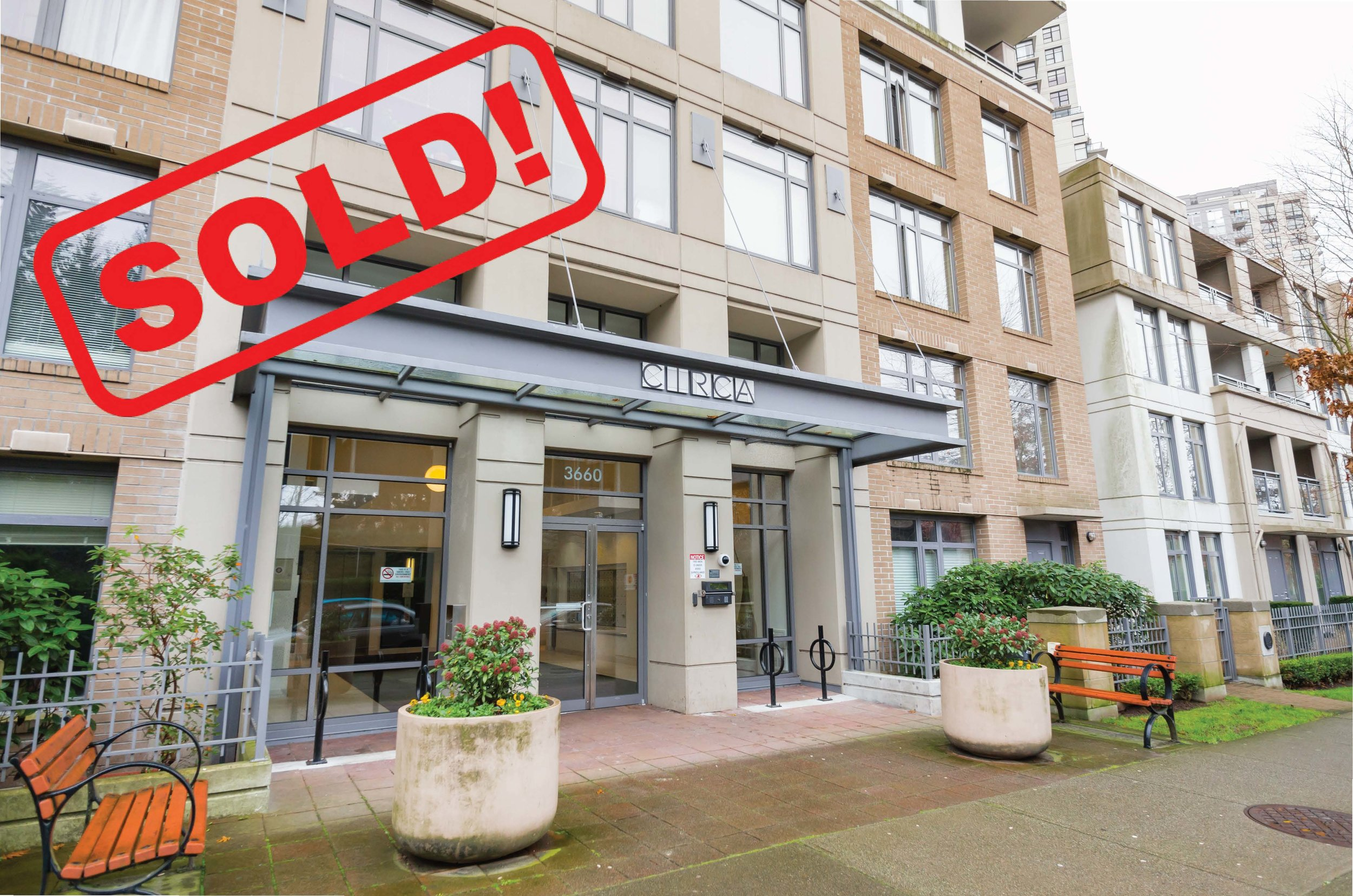 606-3660 Vanness Avenue   SOLD FOR: $436,500  1 Bed | 1 Bath | 659 SF