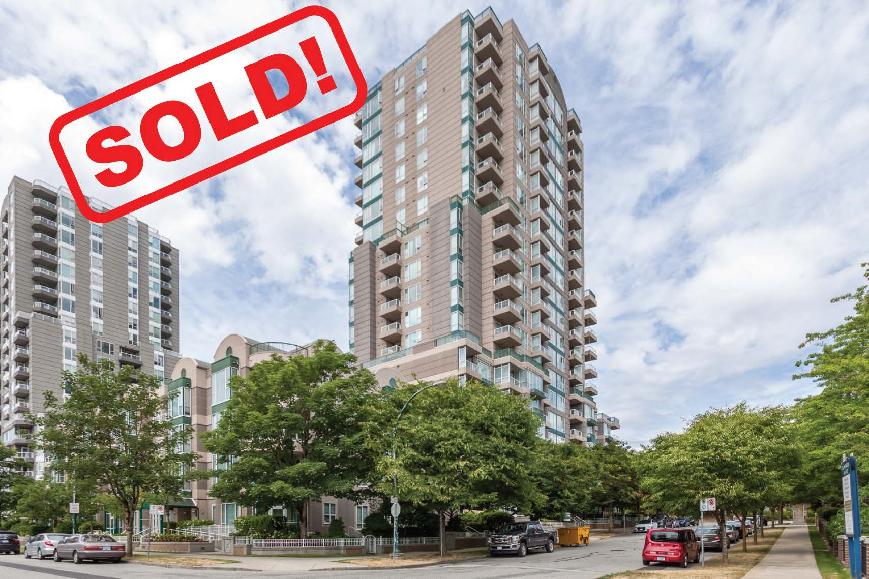 507-5189 Gaston Street   SOLD FOR: $399,900  1 BED | 1 BATH | 601 SF