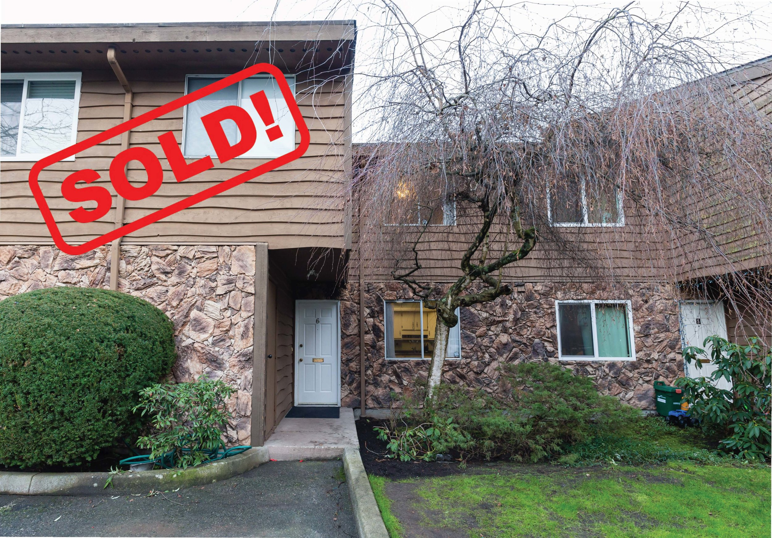 6-9111 No. 5 ROAD     SOLD FOR: $685,000  3 Bed | 2 Bath | 1,407 SF
