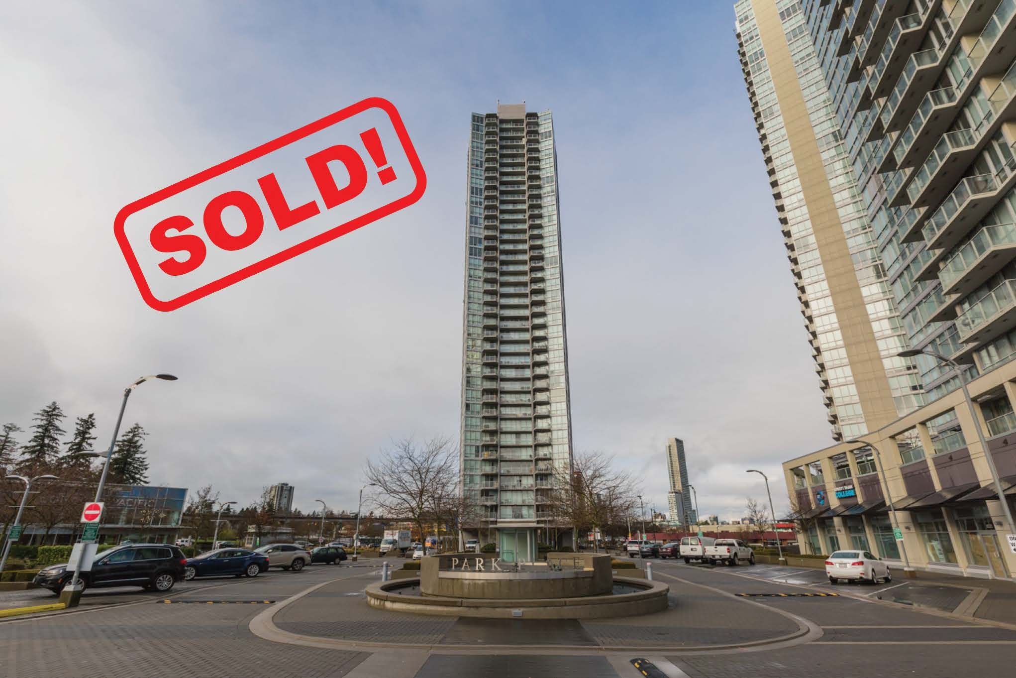 3306-13618 100 AVENUE     SOLD FOR: $372,000  1 BED | 1 BATH | 579 SF