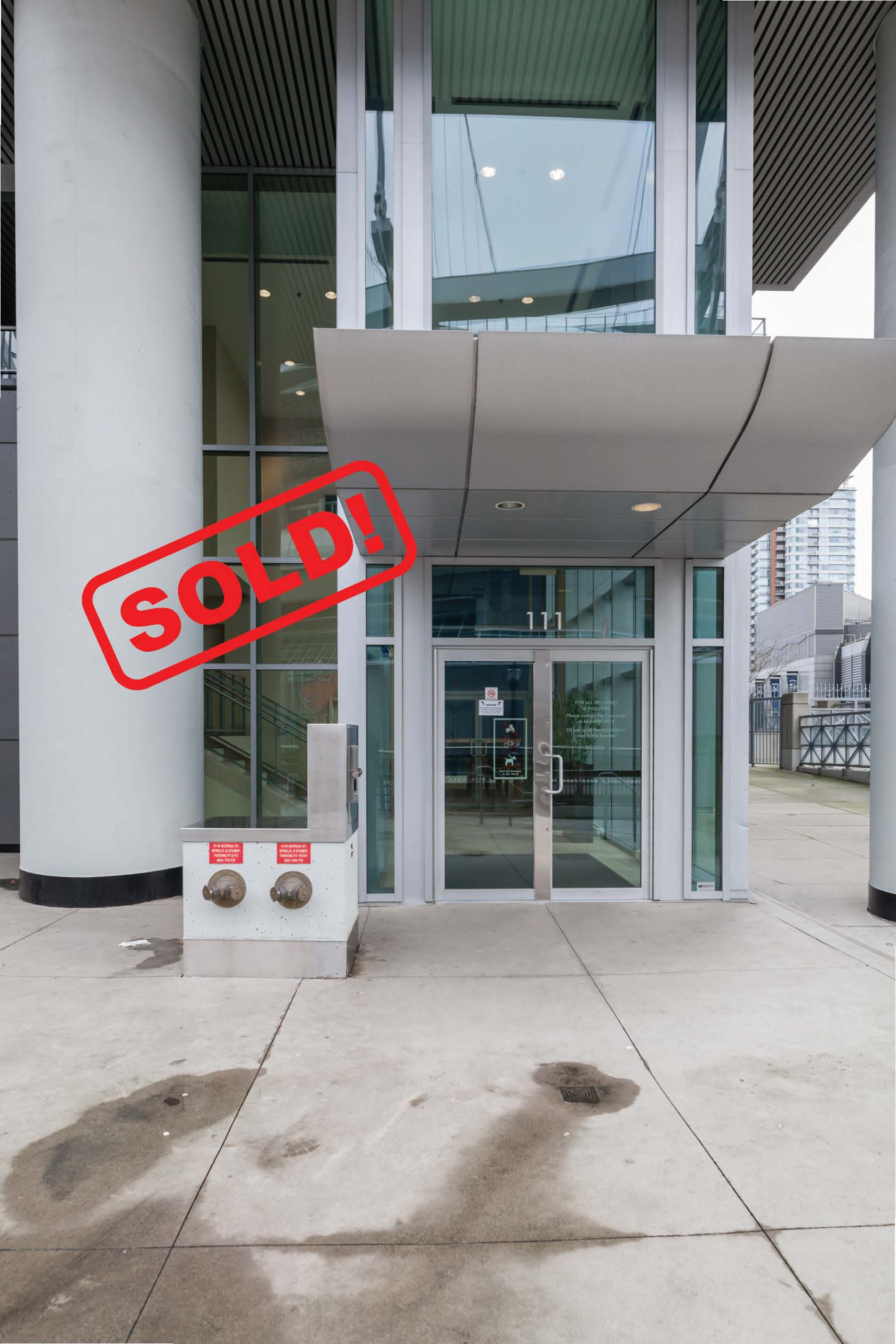 2202-111 WEST GEORGIA STREET     SOLD FOR: $665,000  1 BED | 1 BATH | 626 SF
