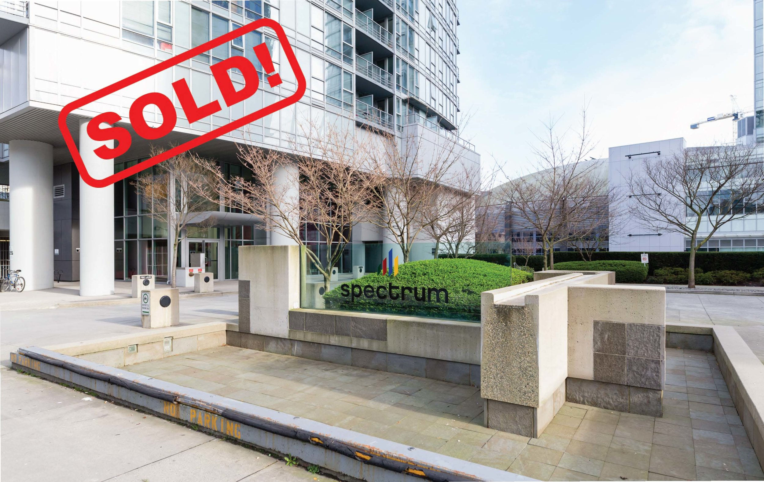 909-131 REGIMENT SQUARE     SOLD FOR: $522,000  1 BED | 1 BATH | 502 sf