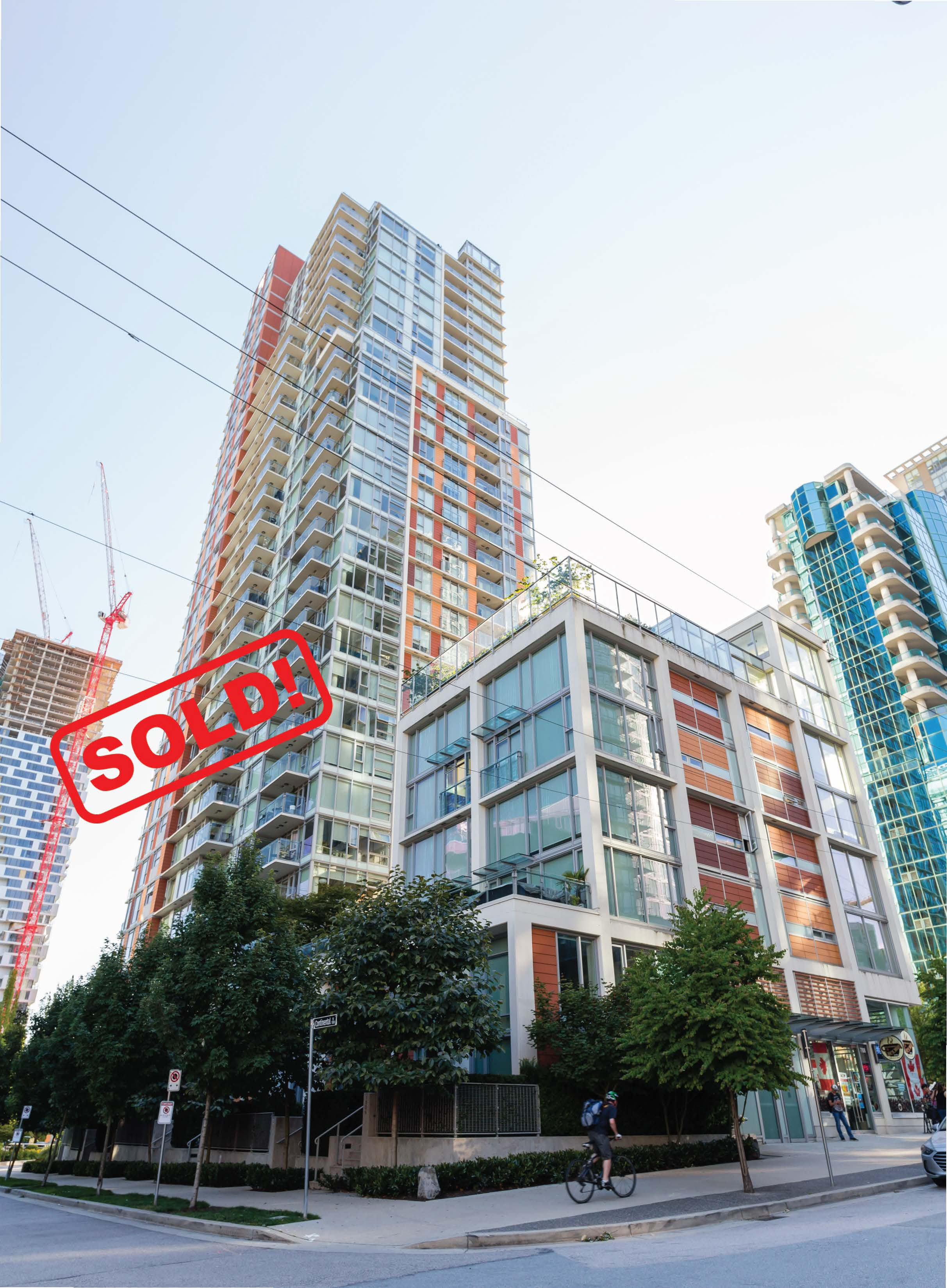 1207-1351 CONTINENTAL AVENUE     SOLD FOR: $1,630,000  2 BED | 2 BATH | 886 SF