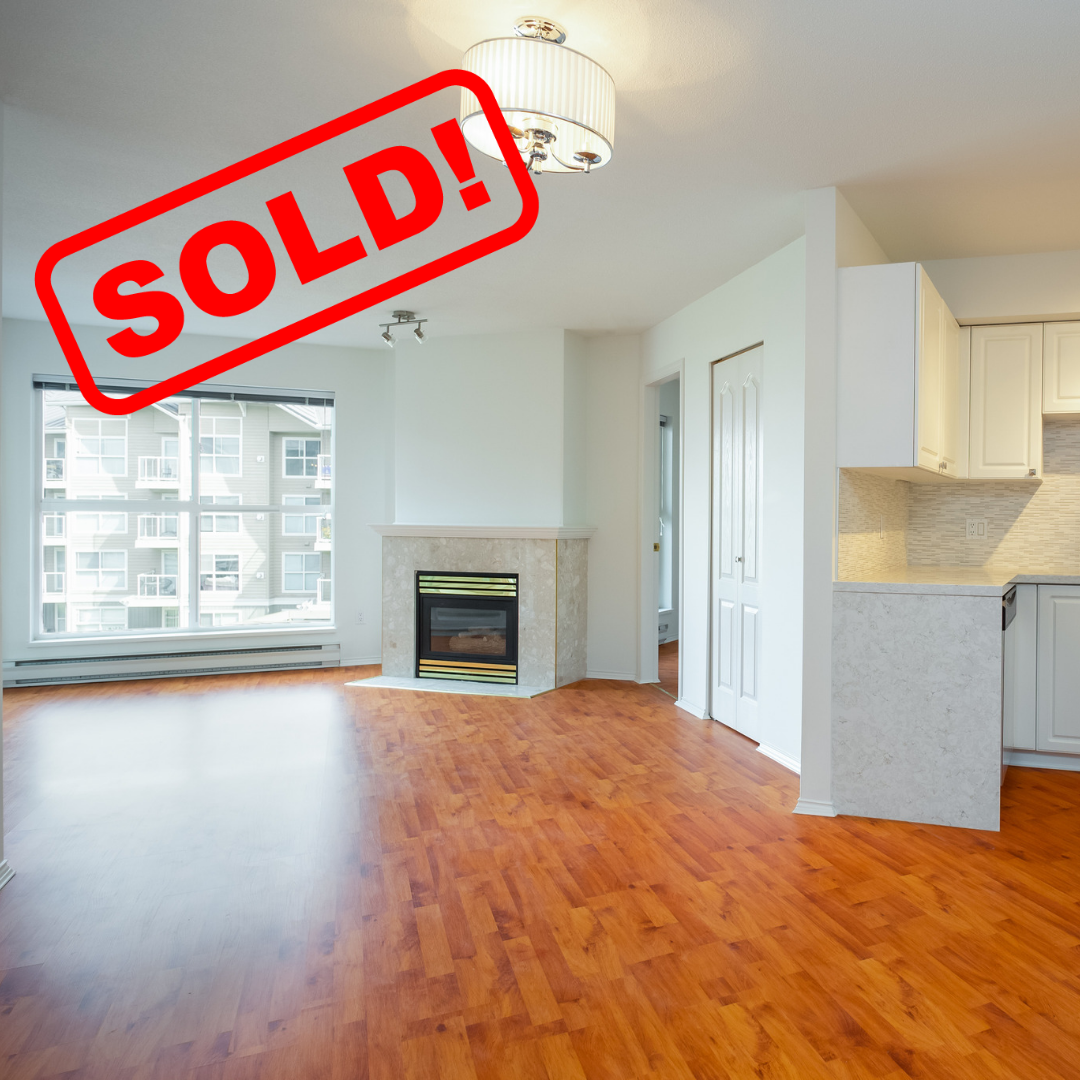 328-5880 DOVER CRESCENT SOLD FOR:  $490,000   2 BED | 2 BATH | 930 SF