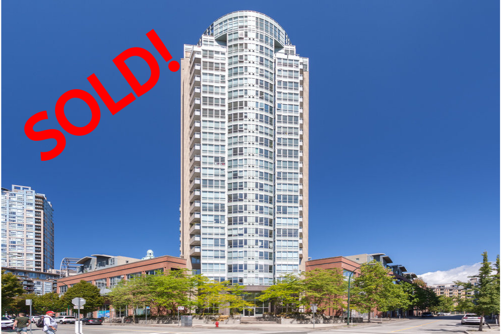 606-63 KEEFER PLACE SOLD FOR:  $475,000   1 BED | 1 BATH | 576 SQ FT