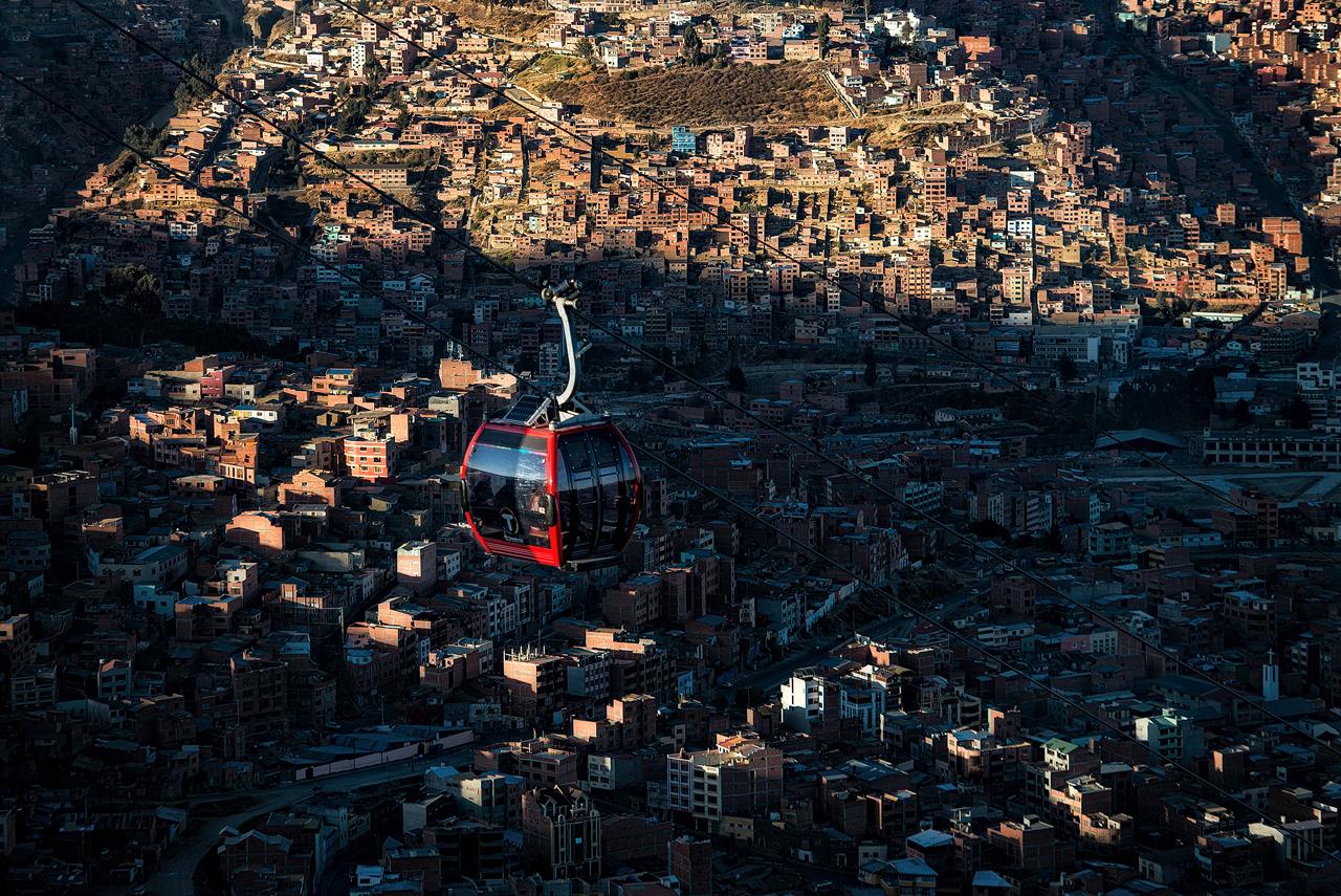 Cable-car-above-La-Paz-2.jpg