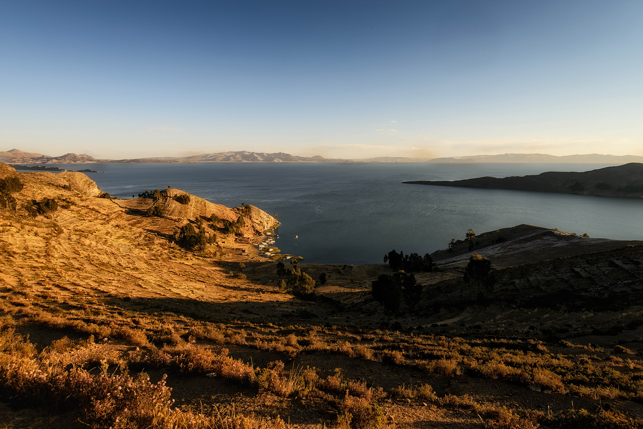 Late-light-on-Isla-del-Sol.jpg