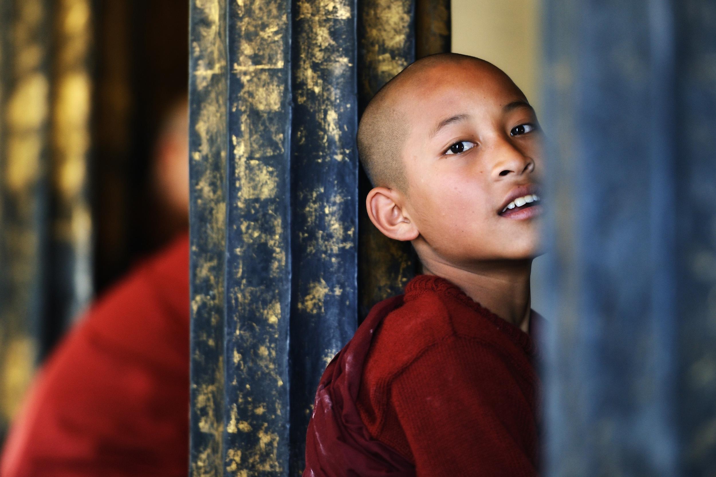 Shwe Yaunghwe Kyaung Monastery   A novice monk in Shwe Yaunghwe Kyaung, Nuang Shwe, Burma